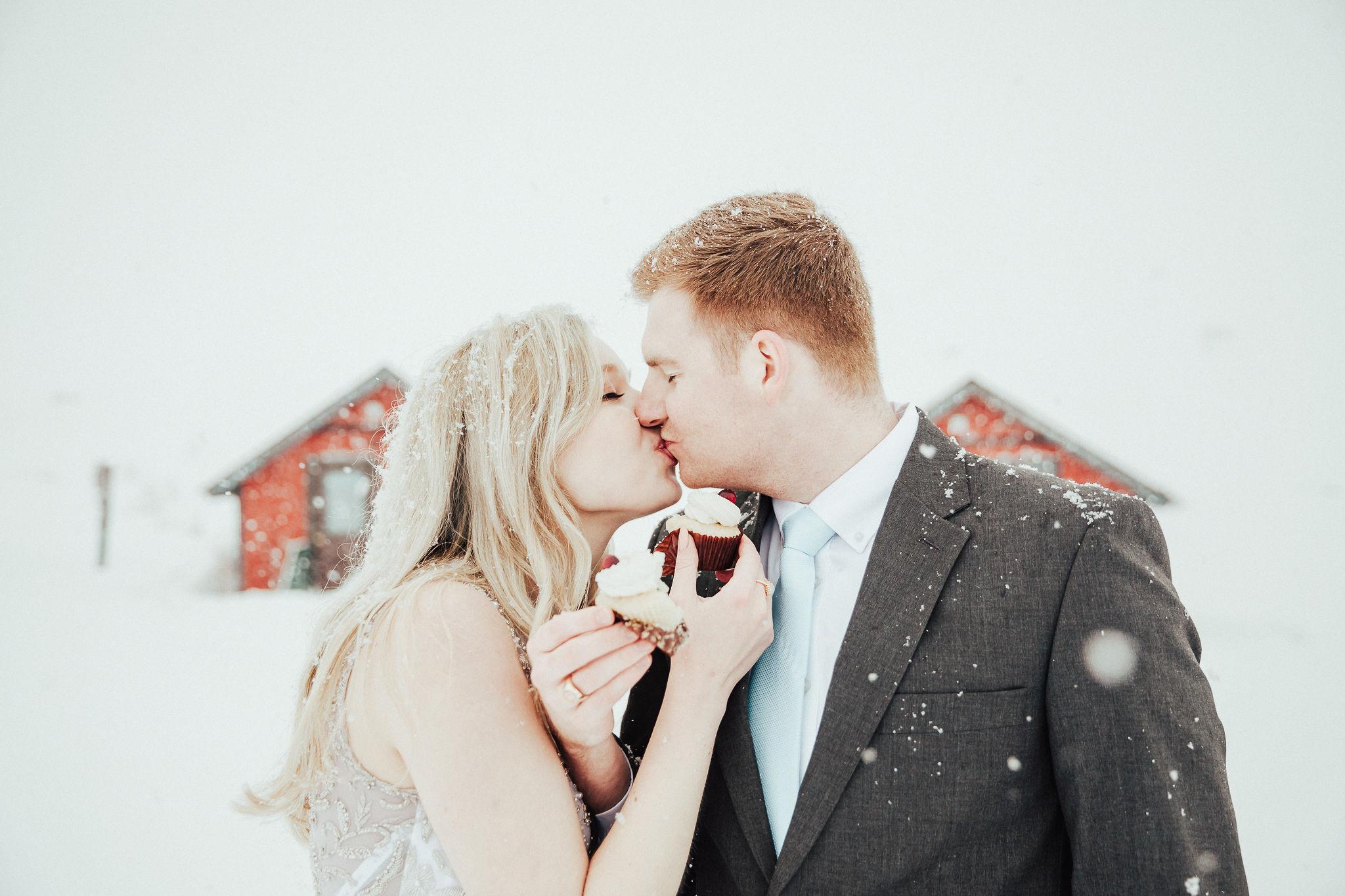 Winter Wedding Cake Smash
